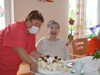Geburtstag feiern im Pflegeheim