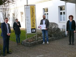 Spende für die Regens-Wagner-Schule